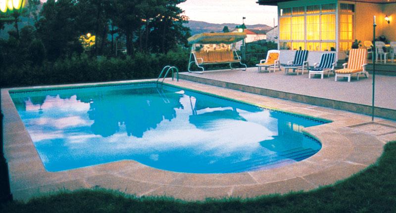 Installation d 39 une piscine coque combien a co te for Prix piscine posee