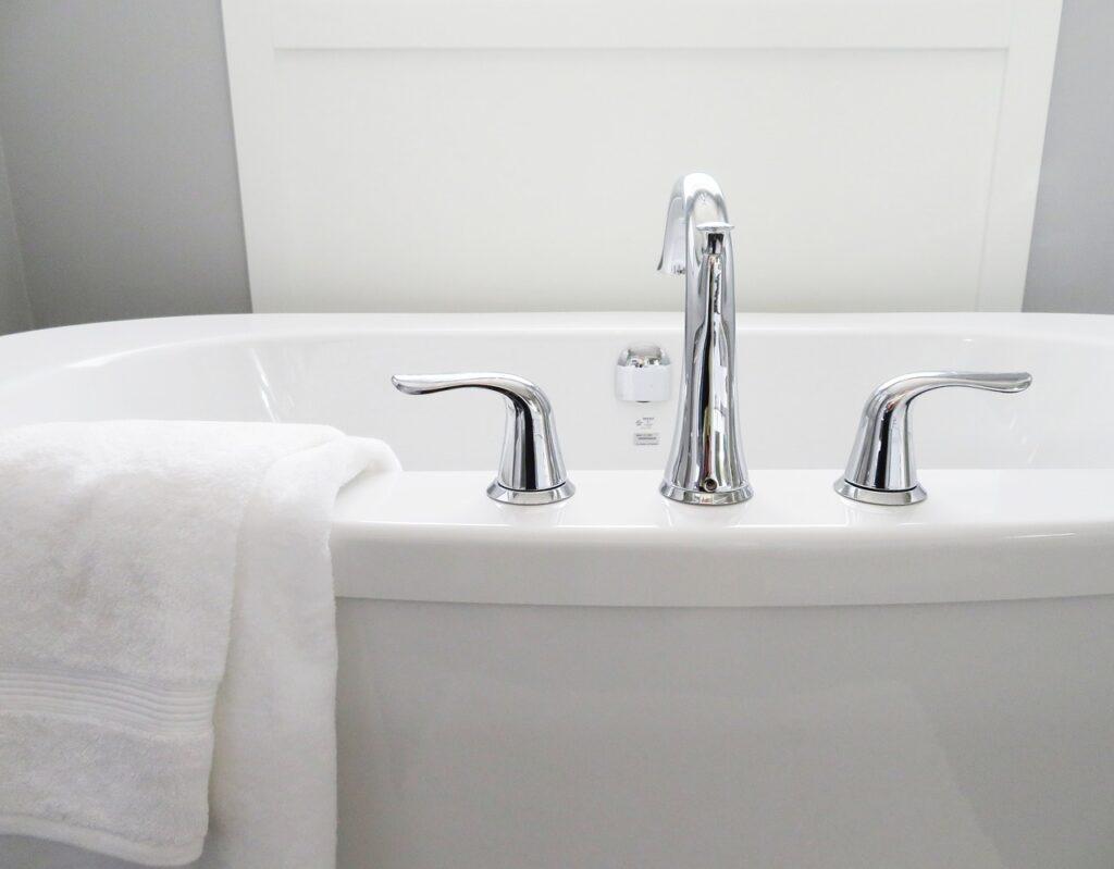 kit fixation baignoire Le prix de pose du0027une baignoire peut varier du simple au triple.