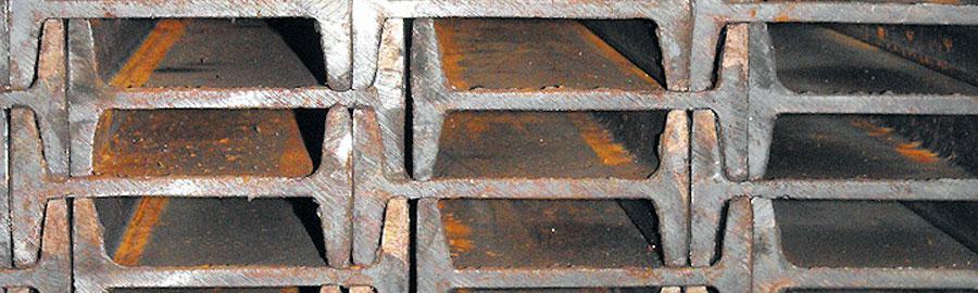 La poutre IPN galvanisé est traitée pour résister à la rouille, notamment.